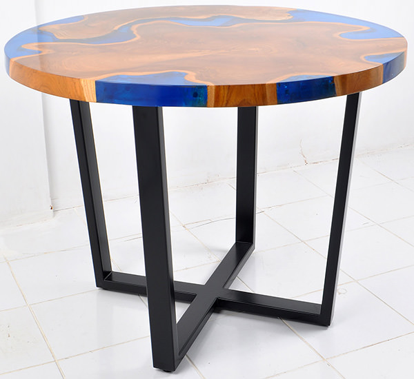 natural teak and blue resin round table