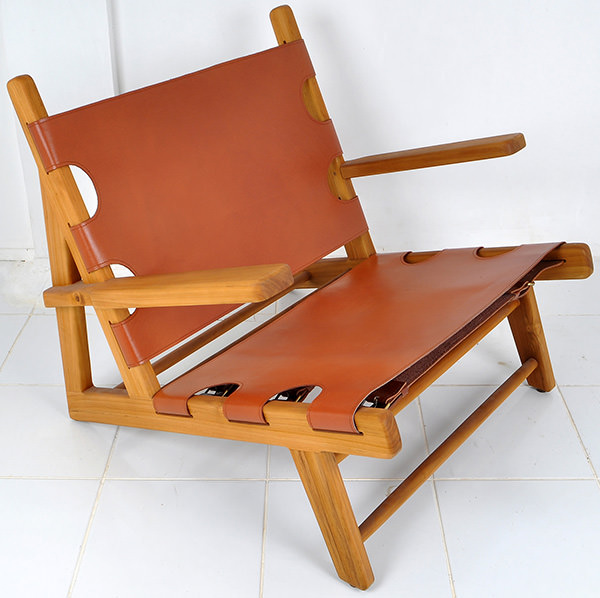 teak and leather lounge chair
