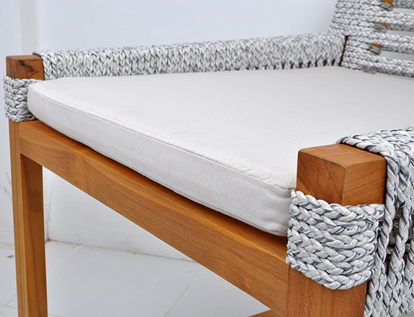 Rope, solid teak and outdoor weatherproof cushion