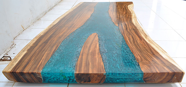 suar and blue resin dining table slab