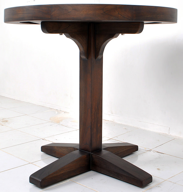 round outdoor teak table with central leg