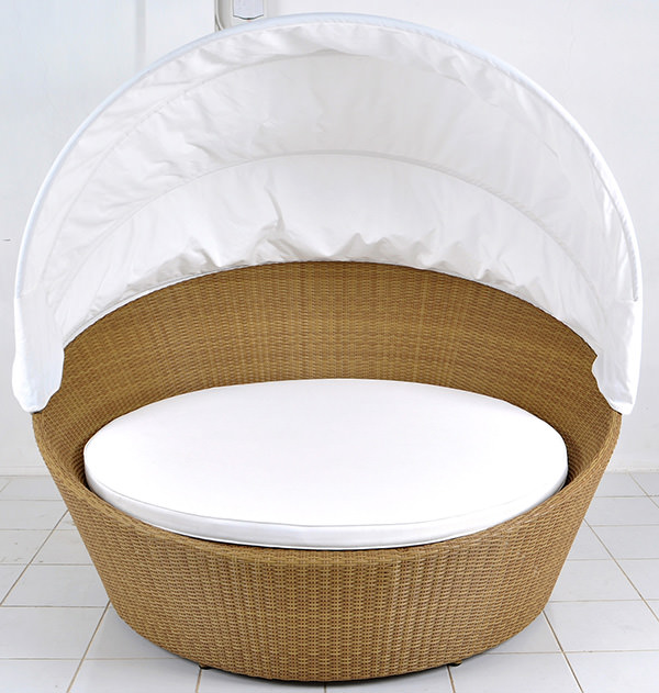 outdoor synthetic rattan day bed