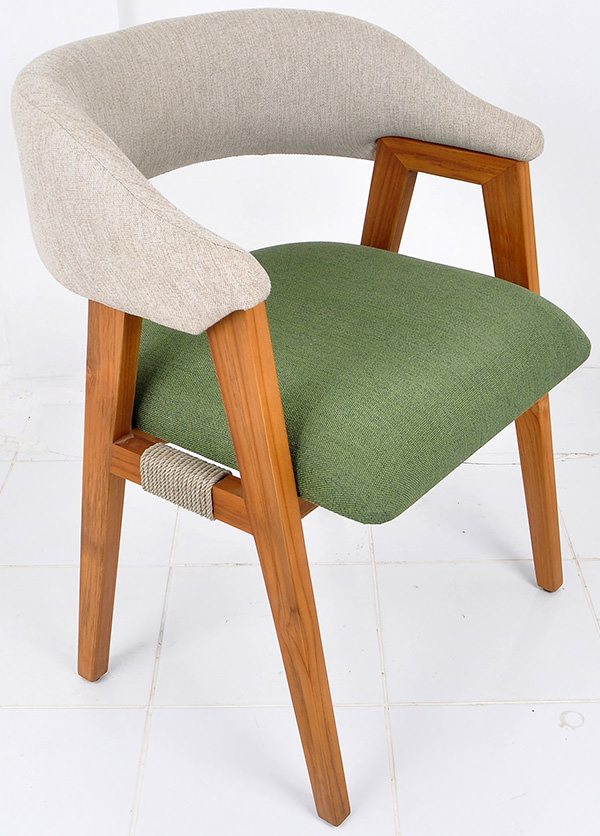 Dining armchair with linen upholstery