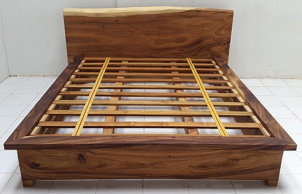 suar wood bed frame