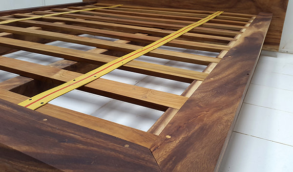 suar wood bed frame with natural finishing