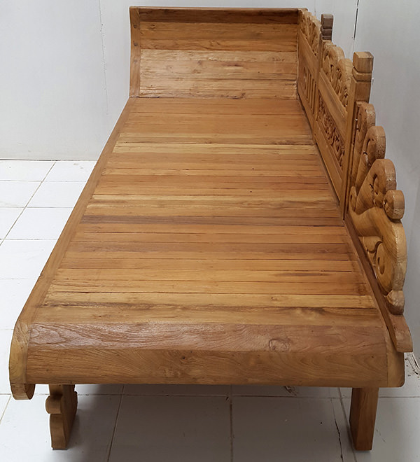 handicraft lounge bed with handmade carvings