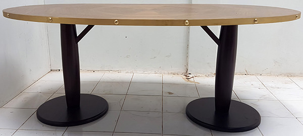 oval restaurant dining table
