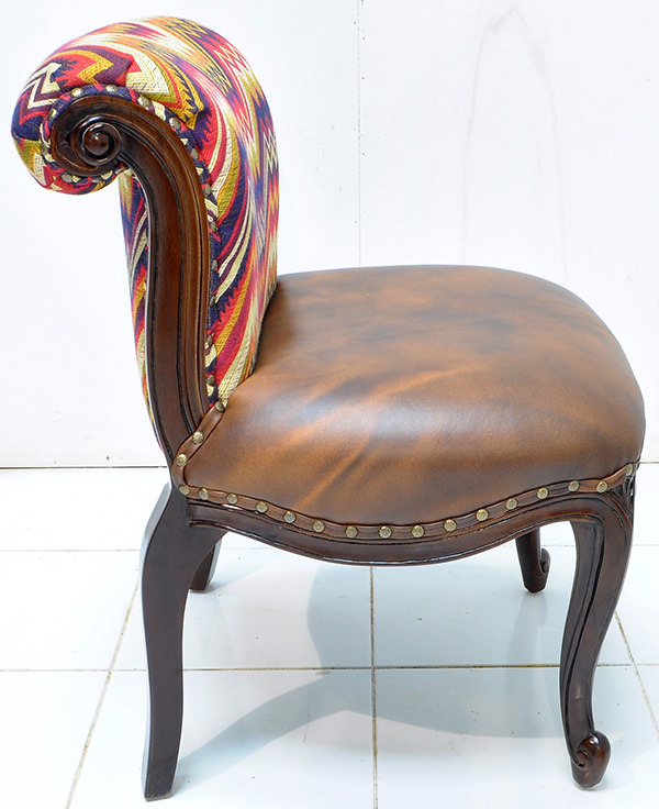 Peruvian fabric and vintage brown leather seat
