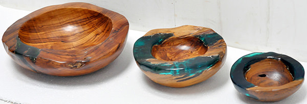 wooden and colored resin fruit bowls set
