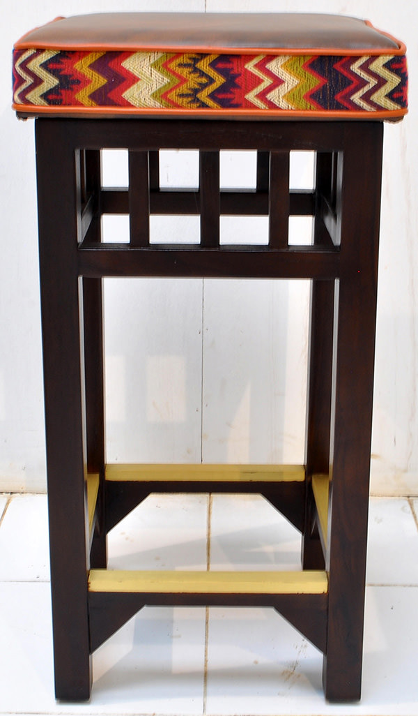 hospitality bar stool manufacturing from Indonesia