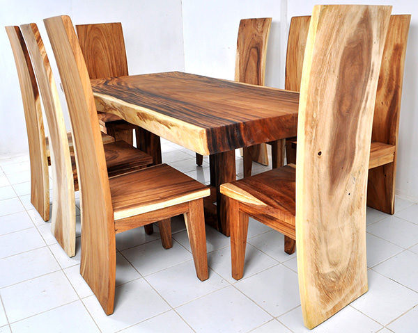 suar wood dining set with natural finish