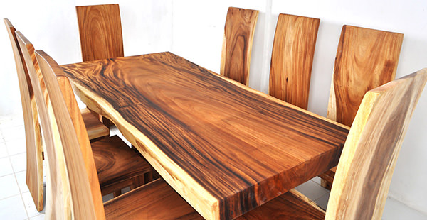 accacia wood dining set with natural finish