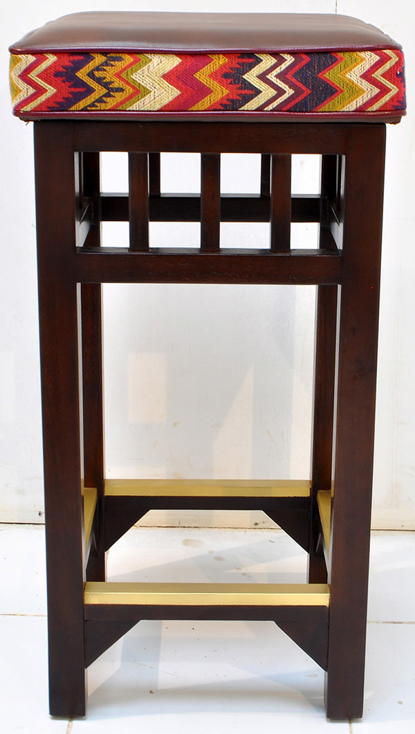 hospitality teak and brass bar stool manufacturing from Indonesia