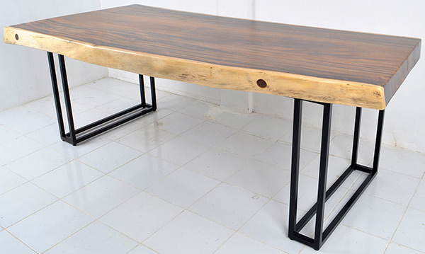 suar table with iron legs