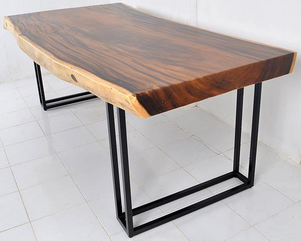 Suar table with design iron legs