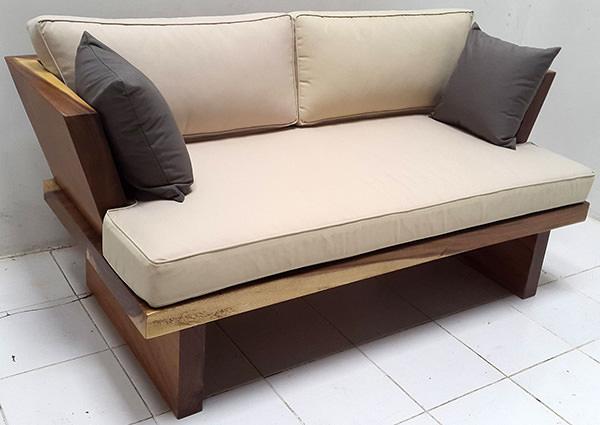 suar sofa