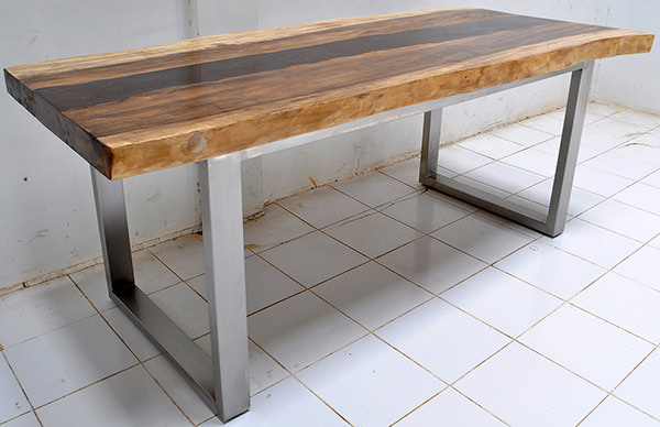 suar, resin and steel table