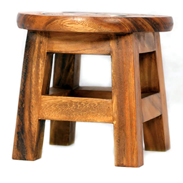 Simple suar stool with glossy finishing